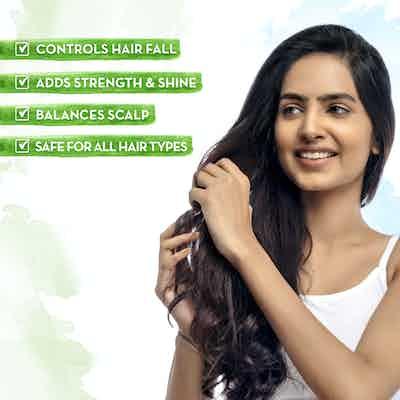 Mamaearth Onion Hair Oil for Hair Fall Control